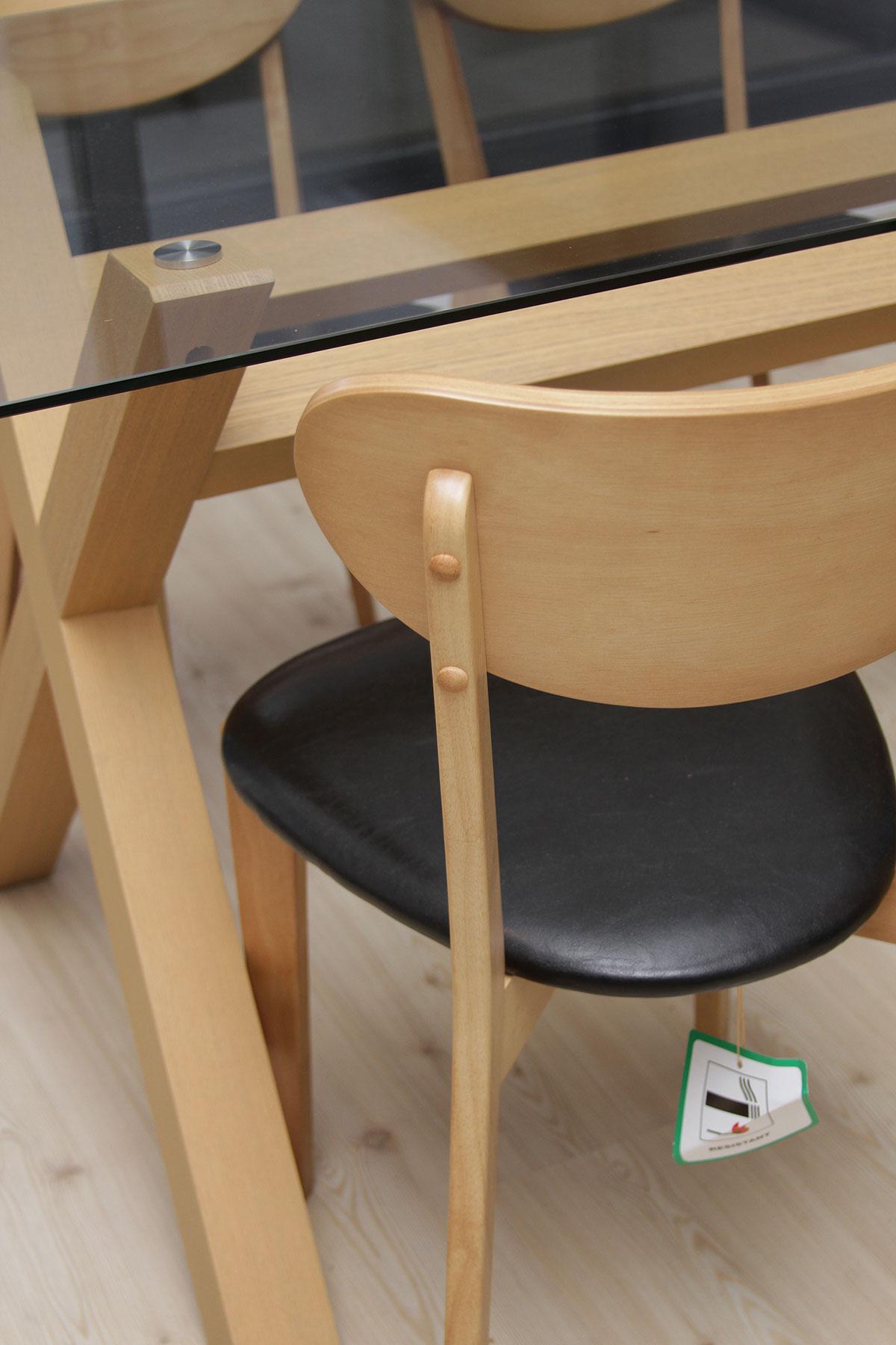 [Set] Masa cu blat din sticla securizata + 4 scaune din lemn stejar