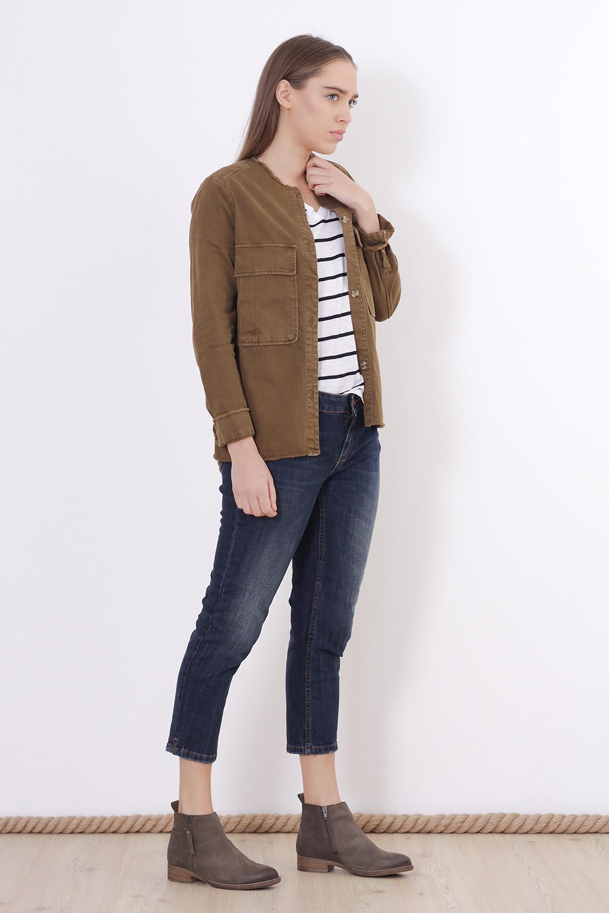 Jacheta kaki cu nasturi Zara