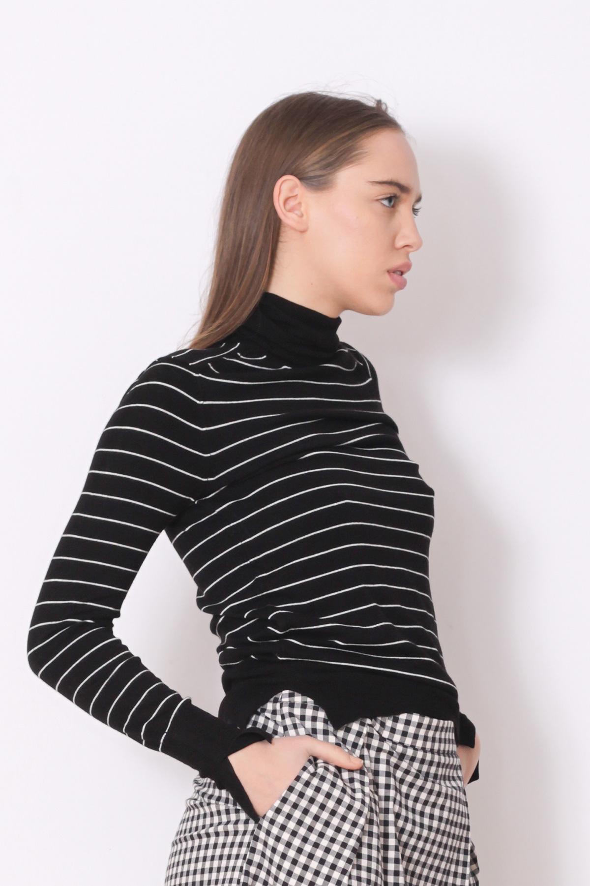 Maleta neagra cu dungi albe Zara